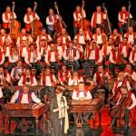 100 članski ciganski orkester iz Budimpešte, 2005. Foto: Arhiv ZKP Lendava